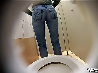 Hot girl peeing hidden cam