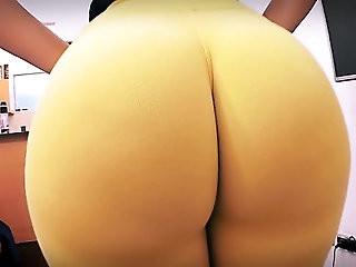 Best Amateur Ass Ever! Huge Round Bubble Butt! Tiny Waist!